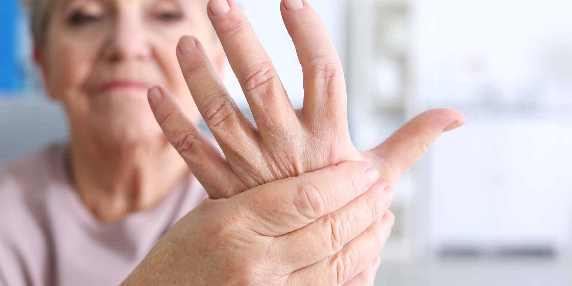 kokios ligos yra visi sąnariai liaudies gynimo priemonės alkūnės sąnario artritas