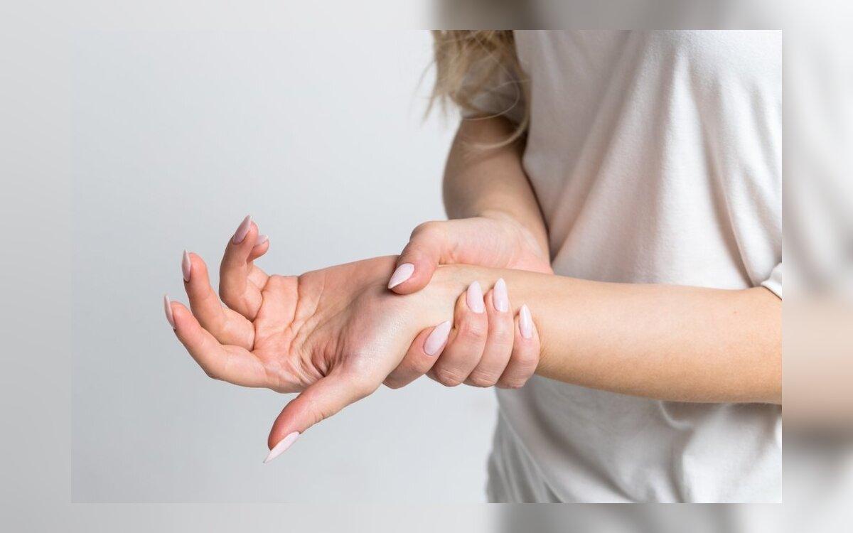 skauda rankos pirstai kas yra traktuojama artrozė