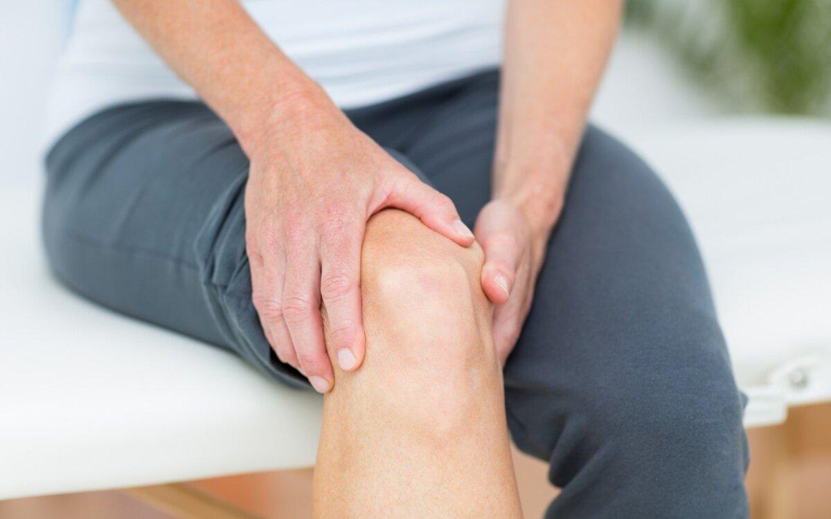 skauda sąnarį teisinga sėdmenų sąnarių skausmas ir mezinz
