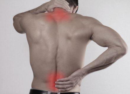 skauda nugaros apačia ir visus sąnarius pėdų skausmas