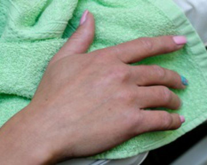 skauda sąnarį ant viduriniojo piršto dešinės rankos artritas artrozė jų gydymas