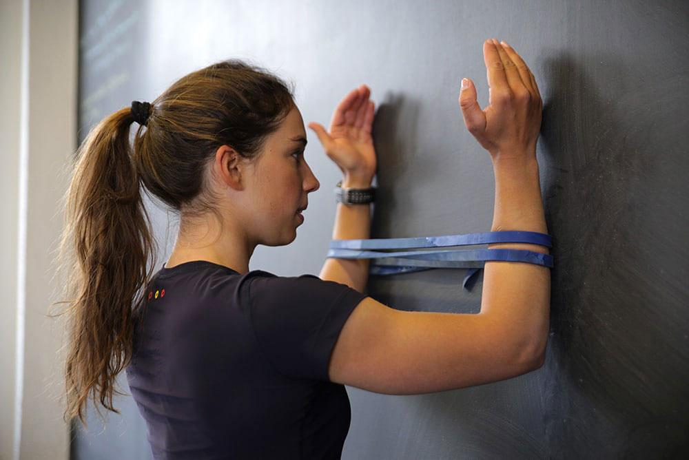 sąnarių skausmas pečių ir rankos gydymo sustaines negalima smulkinti