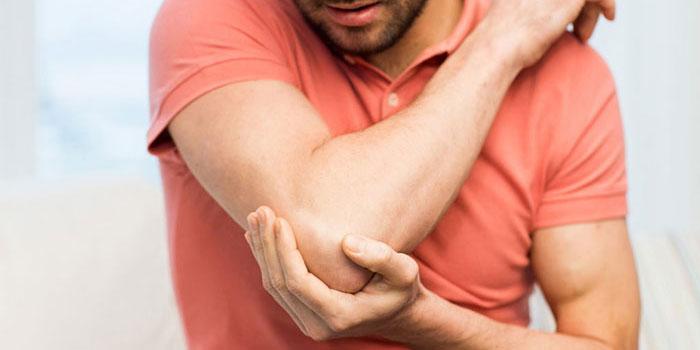 kaulų skausmas alkūnės valymo liaudies gynimo