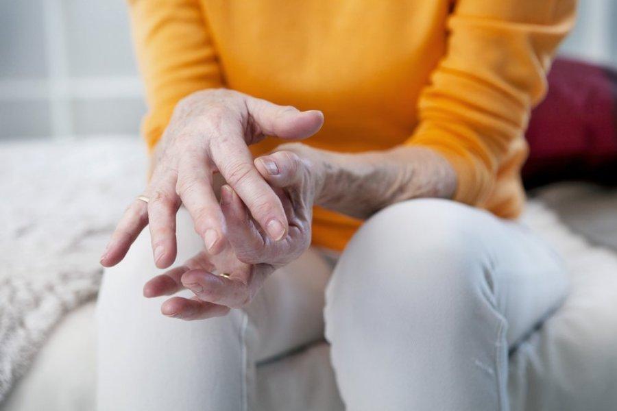 skauda iš kairės rankos kai lankstymo sąnario lieknėjimo sąnarių skausmą