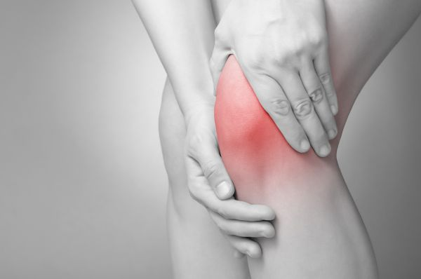 skausmas dešiniojo peties kai kėlimo rankų priežastys ir gydymas