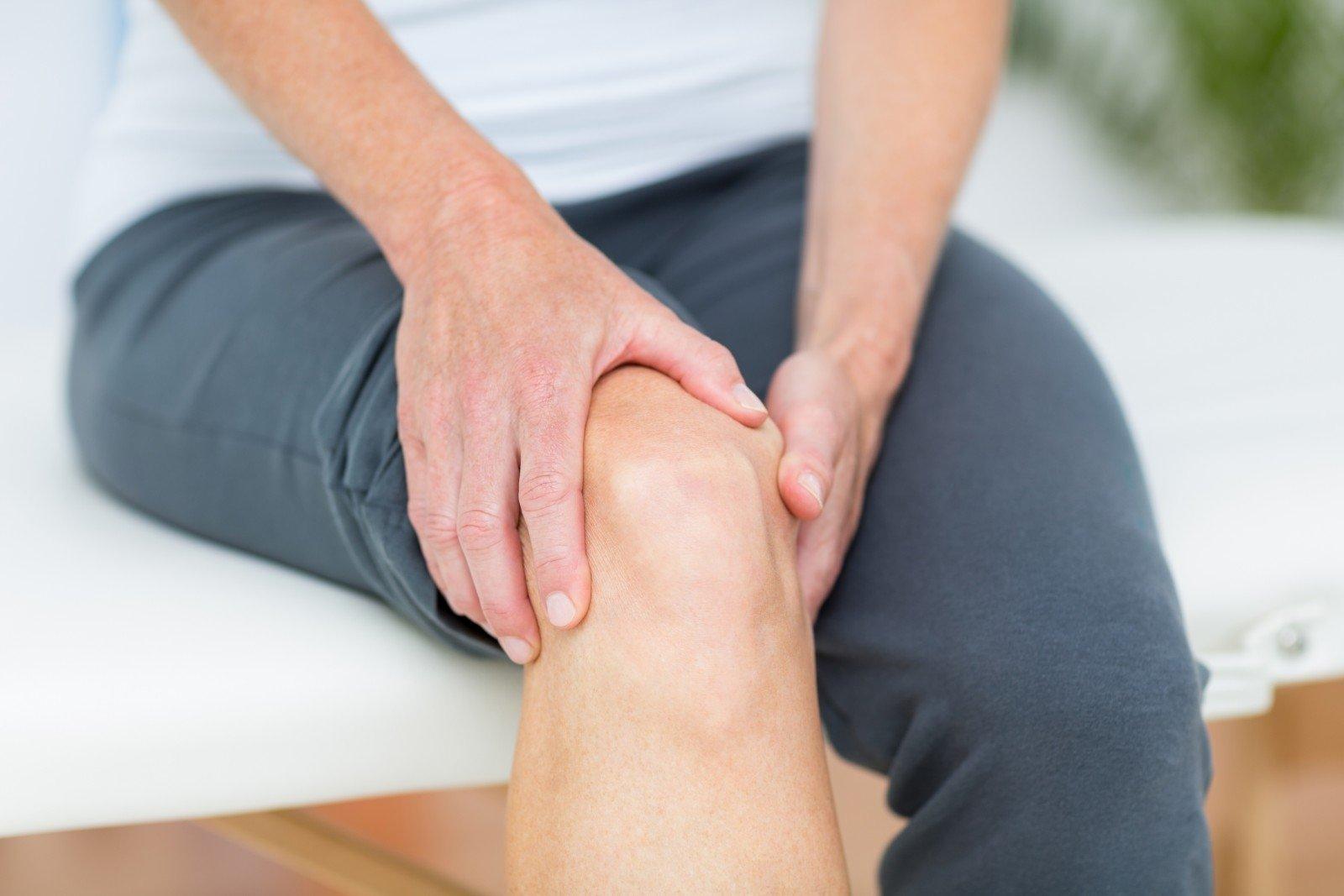 skauda iš kairės rankos kai lankstymo sąnario diabetas bendras tepalas